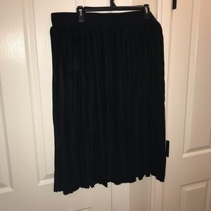 torrid Skirts - Torrid Black Pleated Midi Skirt
